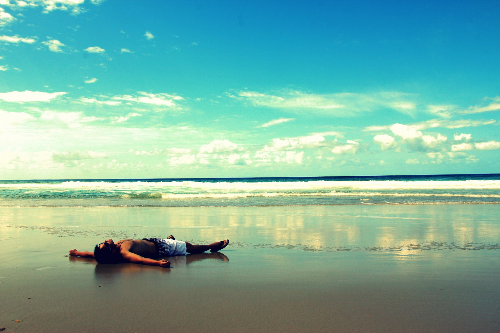Dream to laze around on the beach right? LOL