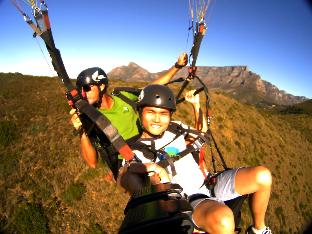 Paragliding @ Cape Town's Table Top Mountain