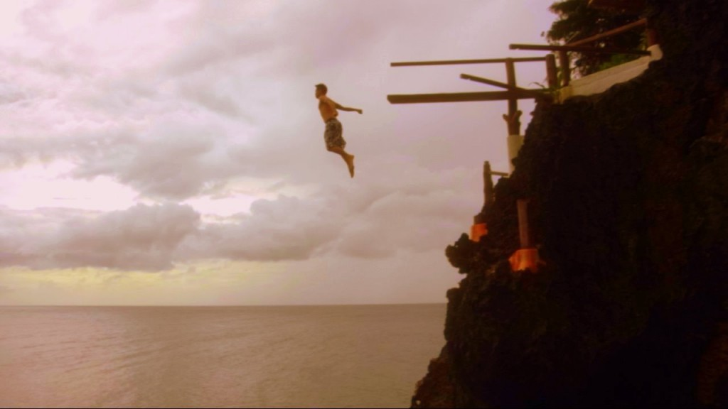 Jumping off the cliff at 16m height into the ocean