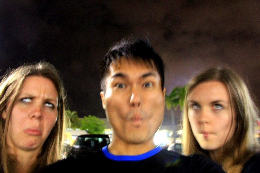 Fugly Face with Sarah and Amy (Aussie sister) in Gold Coast, Australia