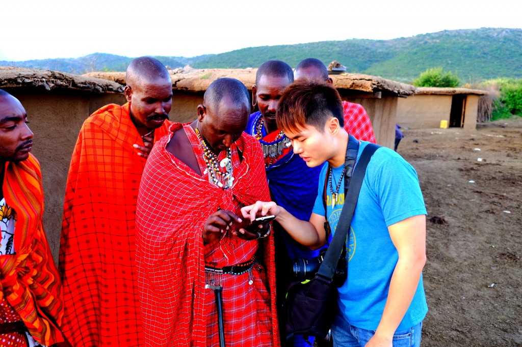 Masai Warrior taught me Asante and Kali Busana (Thanks & Welcome), I taught them how to use smart phone