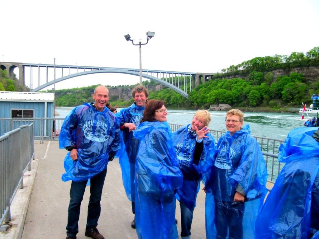 With some helpful Dutch tourist for my photos at the maid of the mist
