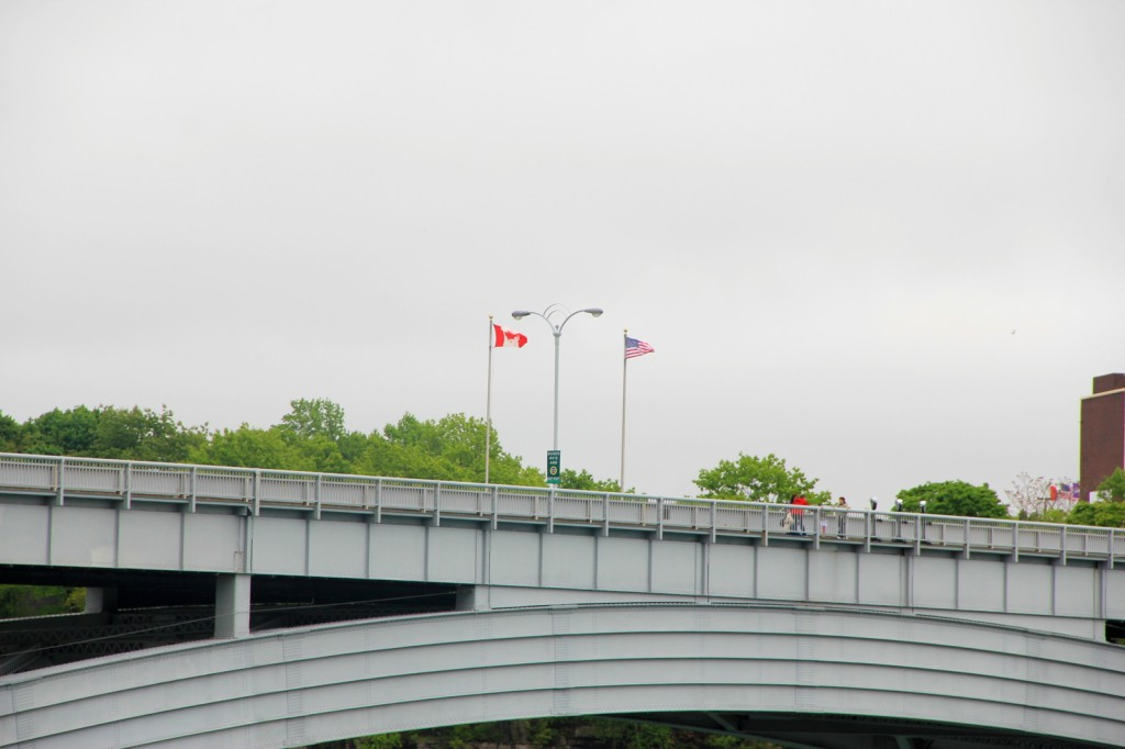 The Rainbow Bridge draws the border between US and Canada