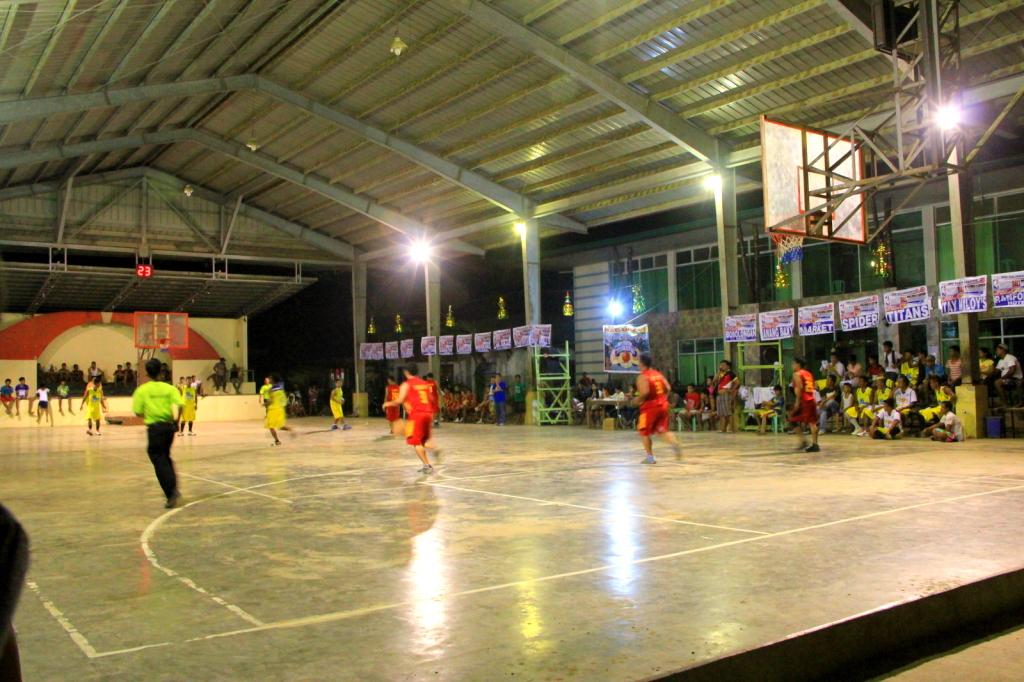 Filipinos Basketball Match at El Nido