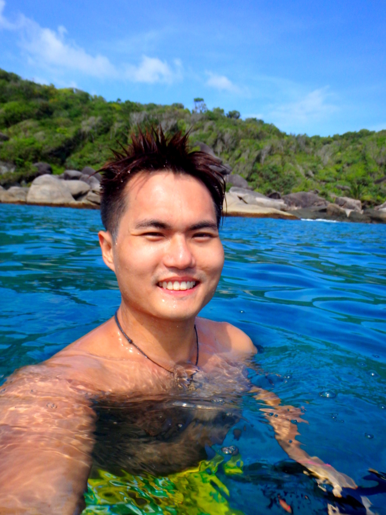 Selfie in the deep waters @ Similan Islands