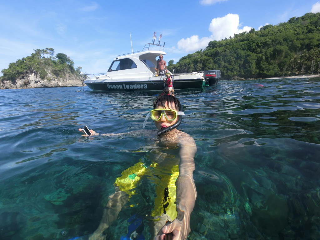 Snorkeling at the gorgeous Crystal Bay! Oh, I forgot to remove my snorkeling mask! haha