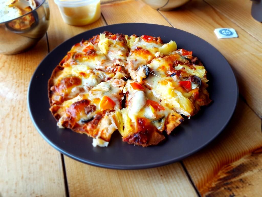 Pizza with mashed potato base