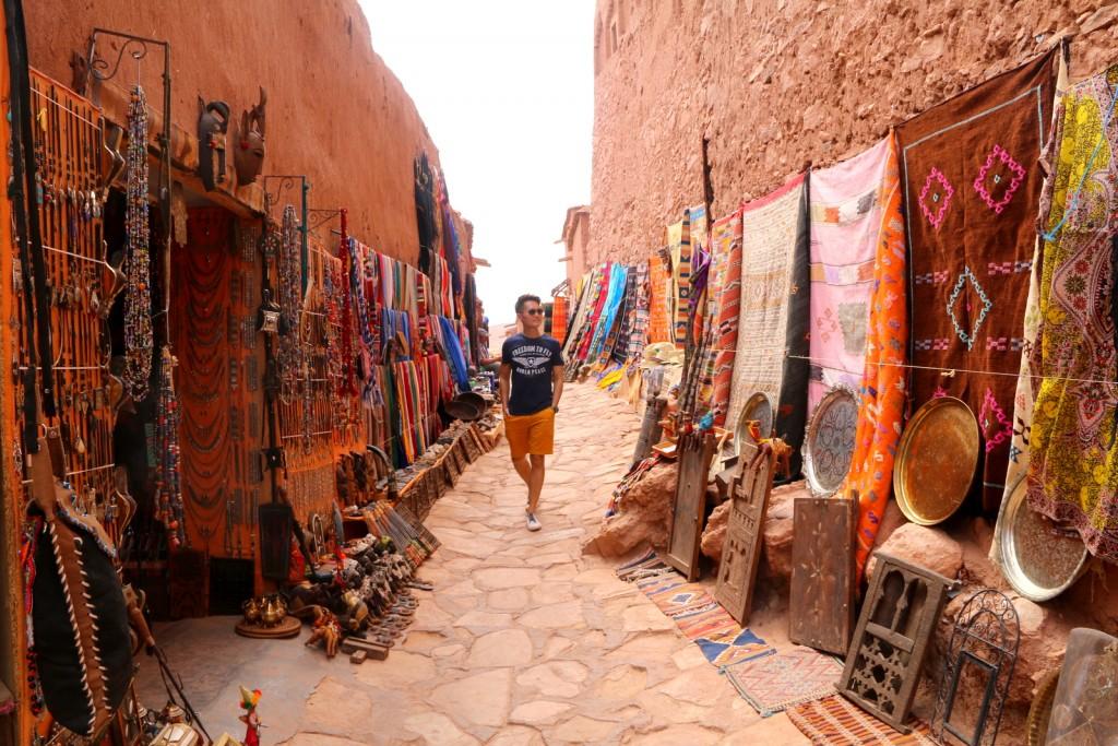 Yes! You can do shopping inside Aït Benhaddou! :-)
