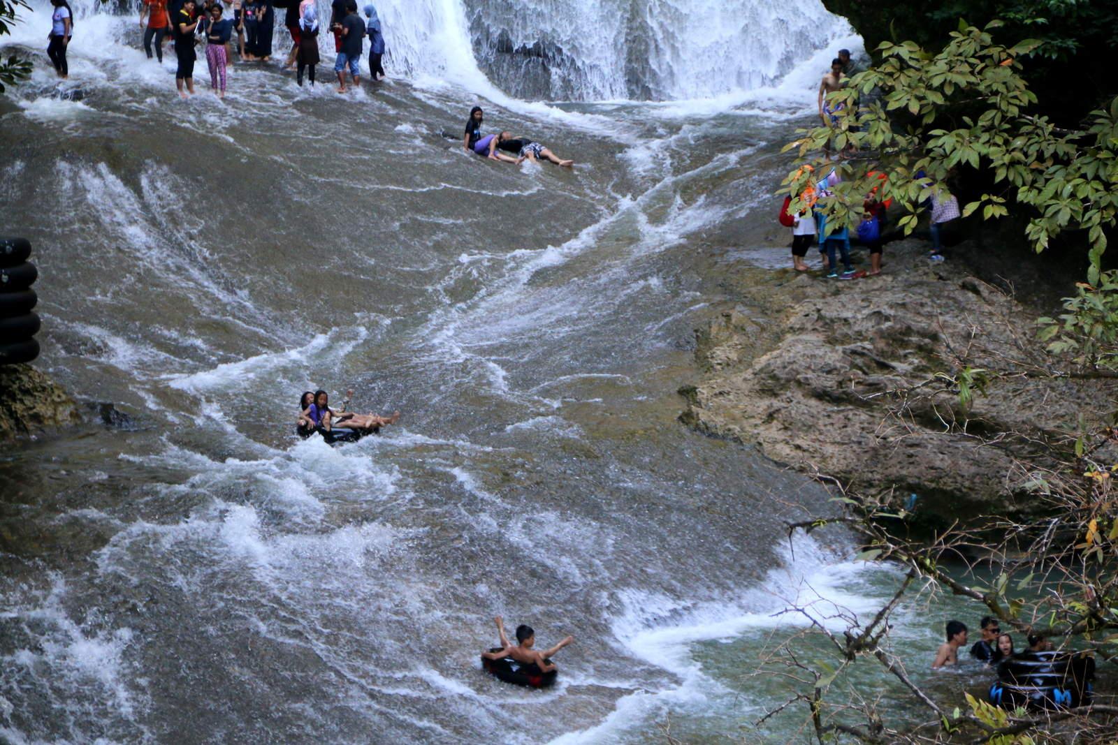 Tubing Bantimurung Waterfall