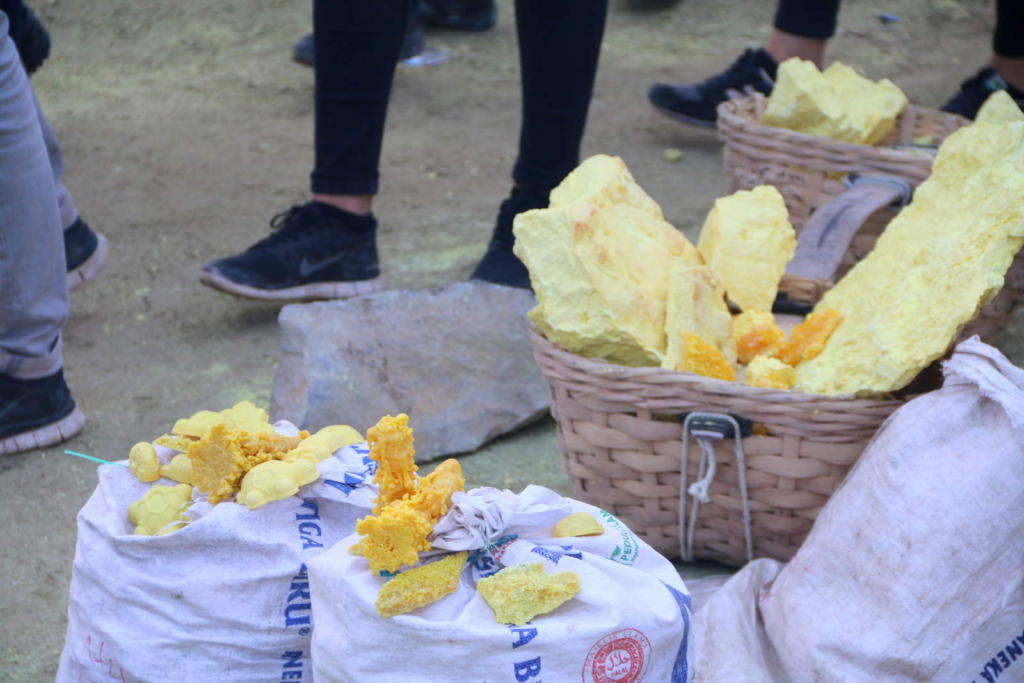 Big bags of sulphurs