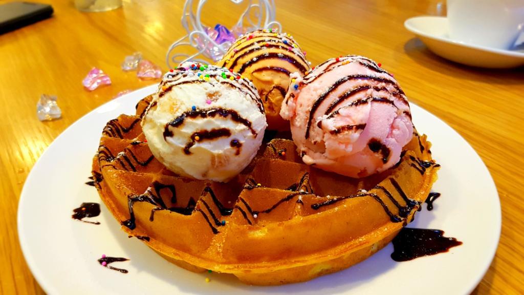 Vegetarian Ice Cream Waffle
