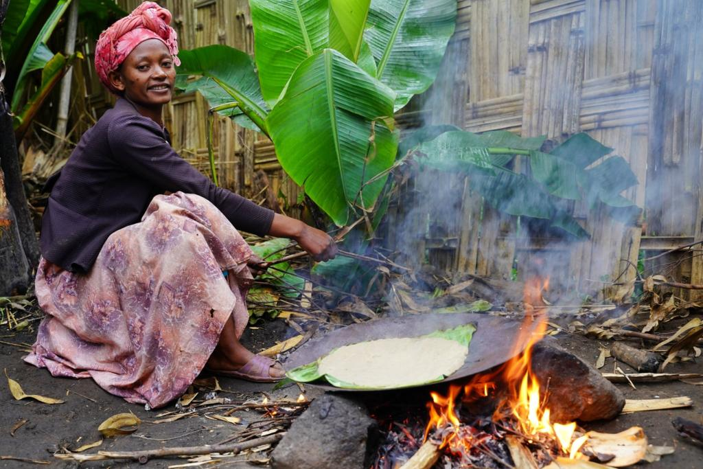 Dorze Tribe woman preparing Kotcho